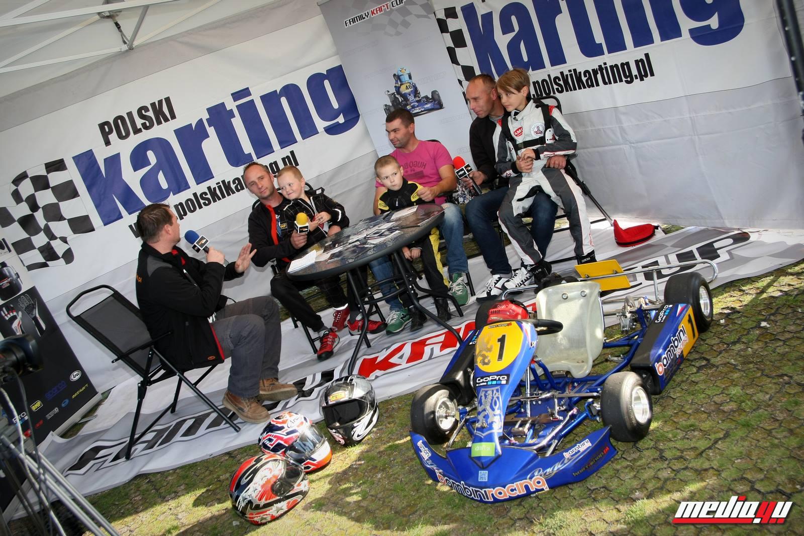 studio-family-kart-cup