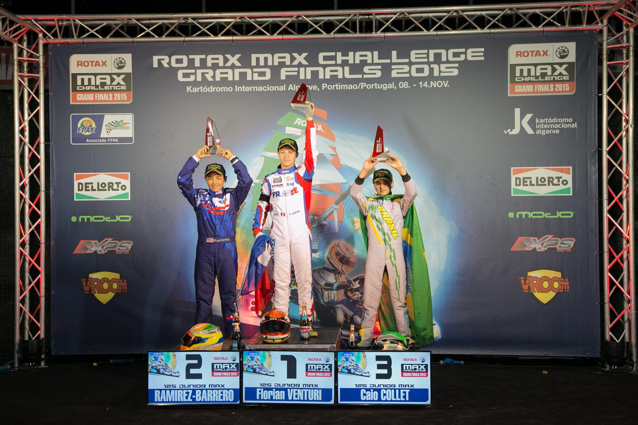 podium-junior-max