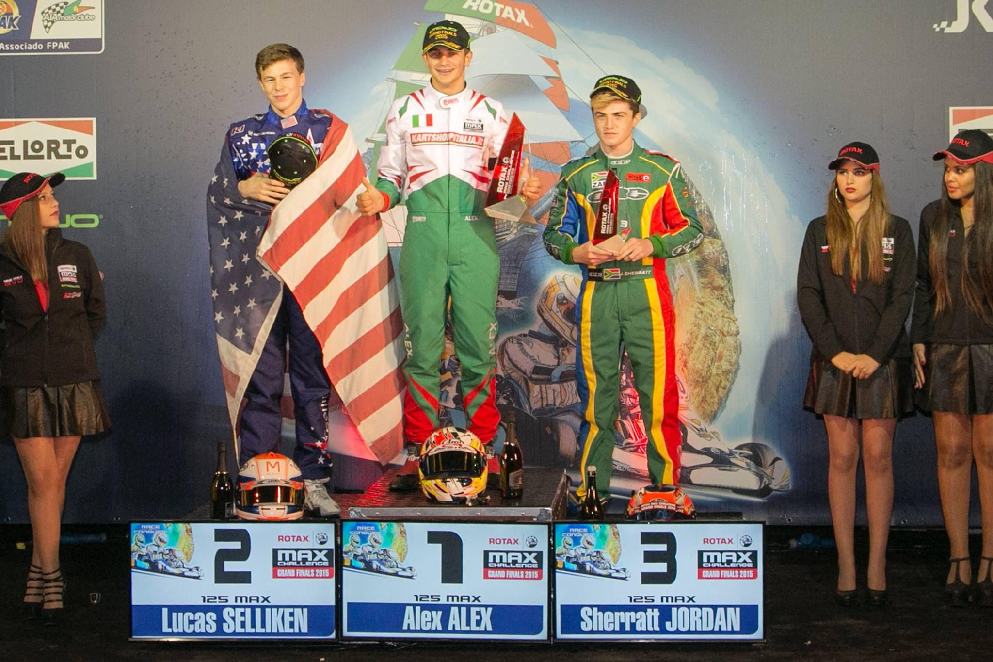podium-max-senior