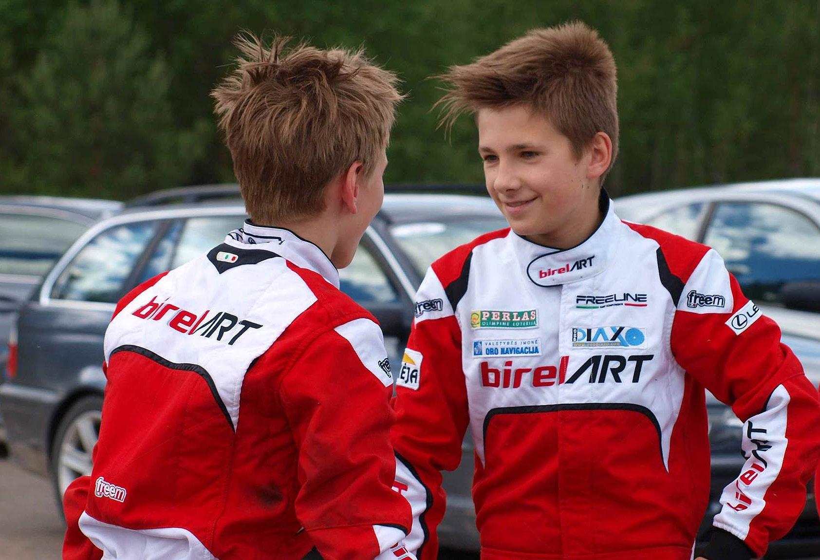 Gustas Grinbergas (po prawej) zadebiutował w kategorii juniorskiej. Czy wicemistrz Polski w Mini Roku będzie jedną z głównych postaci rozgrywek w Polsce wśród juniorów?