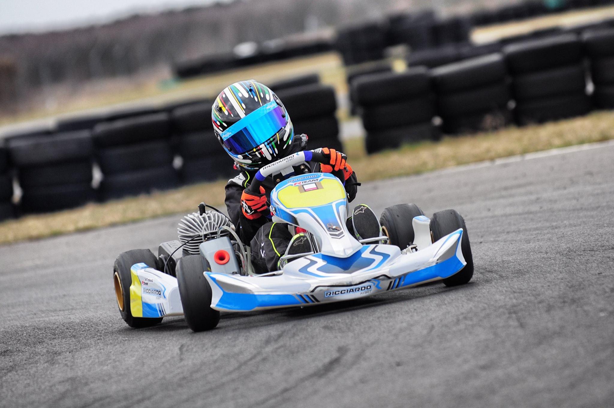 R-Team wystartuje w tym sezonie między innymi na podwoziach Ricciardo Kart. Na zdjęciu Olaf Tyrakowski podczas treningu w Toruniu.